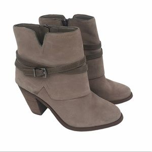 Jessica Simpson women's ankle boots with heel 6